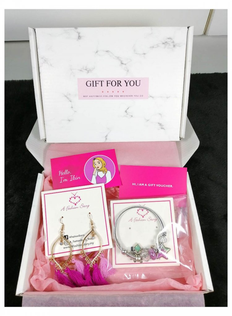 Earrings + Bracelet Gift Set